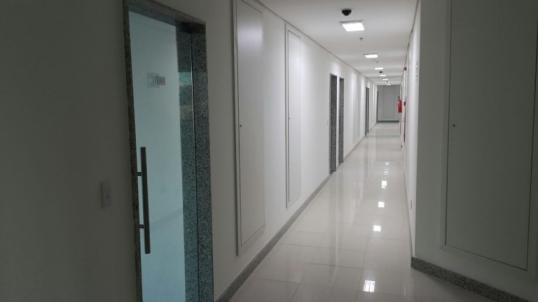 Hall de circulação do Neo Office - Imagem real.jpg