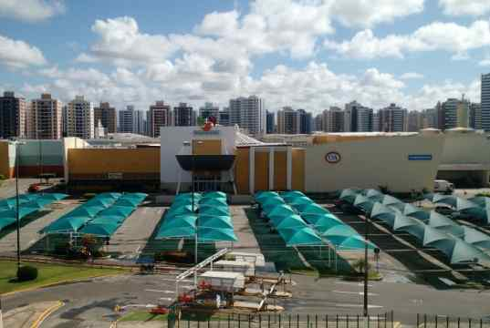 Vista de frente para o Shopping Jardins